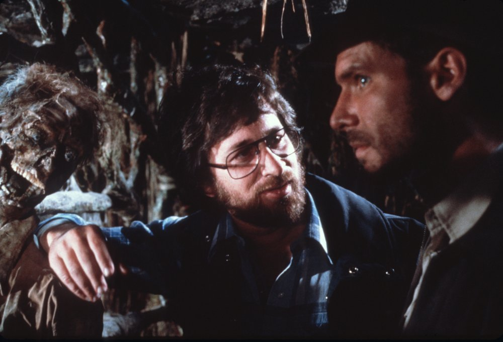 raiders-of-the-lost-ark-1981-002-steven-spielberg-harrison-ford-cave-00n-kwf