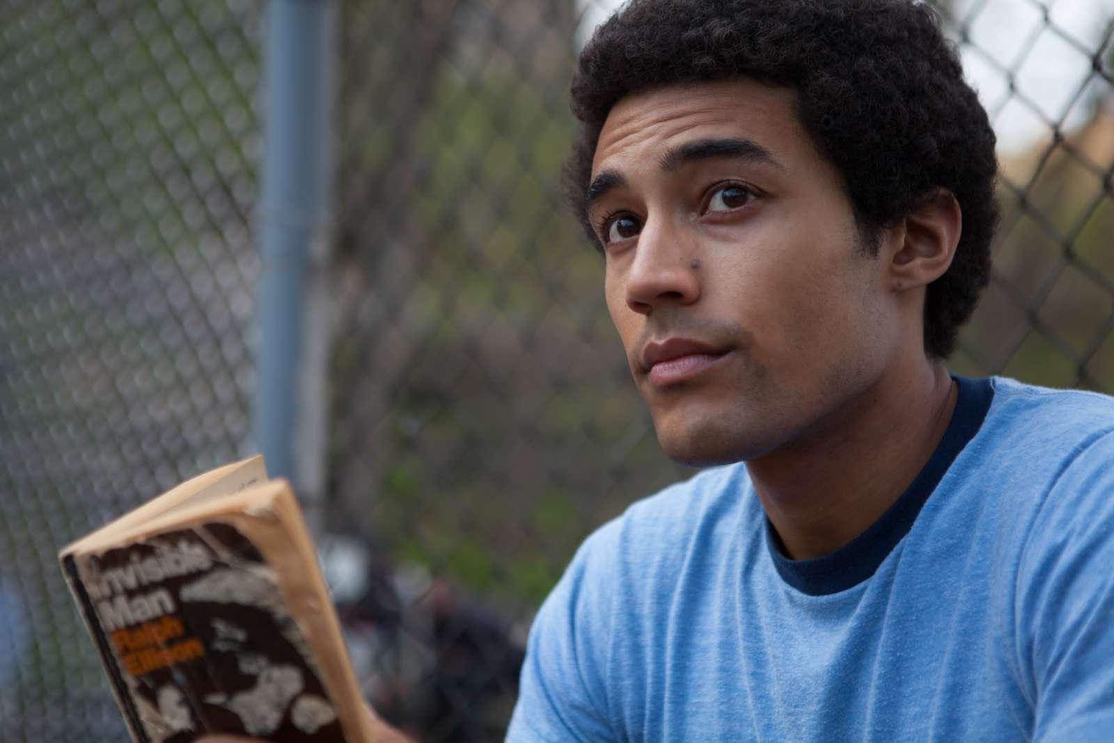 "Devon Terrell som unge Barack Obama i ""Barry"" | pr-foto: TIFF"